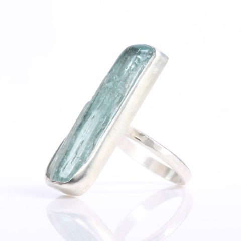 aquamarine_polished_raw_crystal_ring_2017